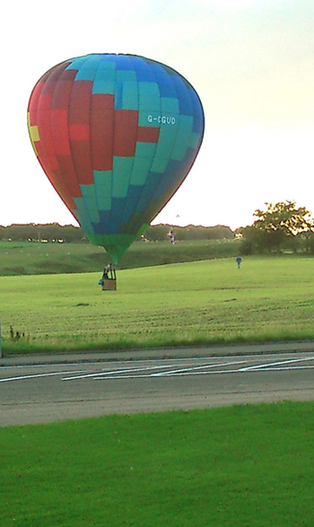 Balloon lands at Putting Competition